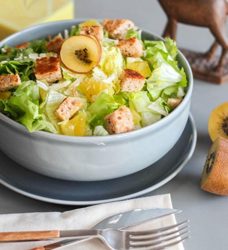 Cesar's Salad mit Kiwi
