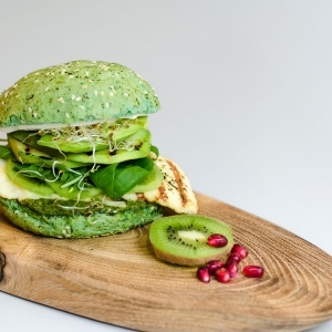 Kiwi Veg Burger