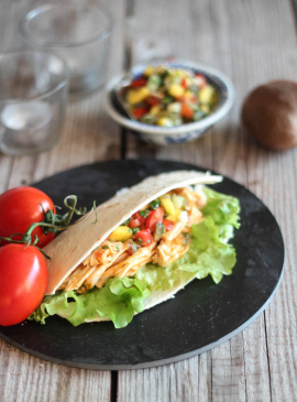 Tacos mit Pulled Chicken und exotischer Kiwi-Salsa