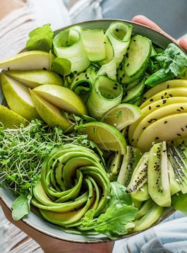 Insalata kiwi avocado e noci