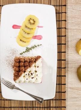 Dessert mit Kiwi und Kokosnuss