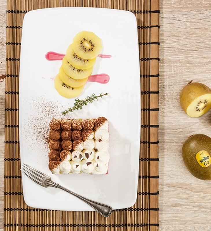 Sobremesa de kiwi e coco