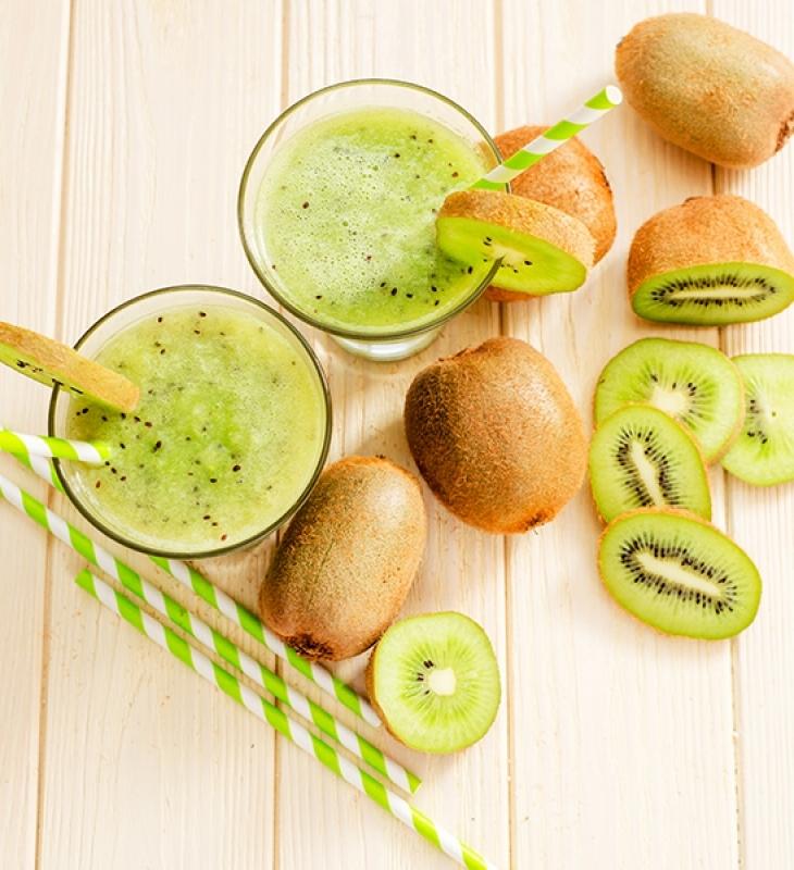 Fresh kiwi smoothie