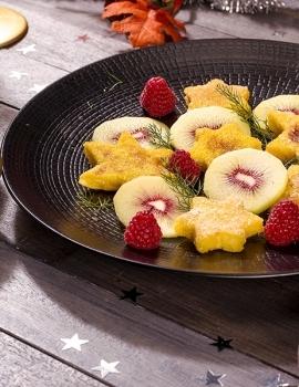 Pandorato con kiwi rossi e lamponi