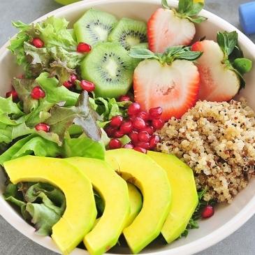 Kiwi and quinoa salad