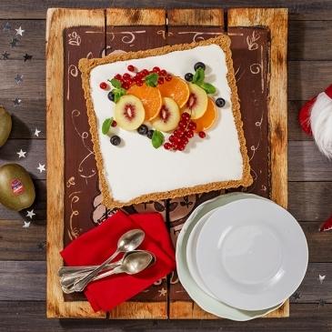 Yoghurt and red kiwi cheesecake